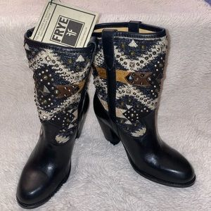 FRYE jenny navajo boots